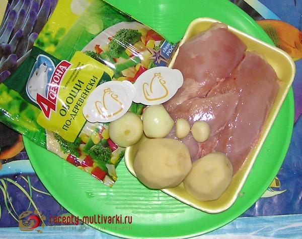 Курица, тушенная с картофелем и овощами