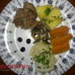 Филе говядины с овощами и грибами