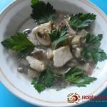 Тайский рыбный острый суп с грибами