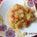 Тушеные кабачки с помидорами и чесноком